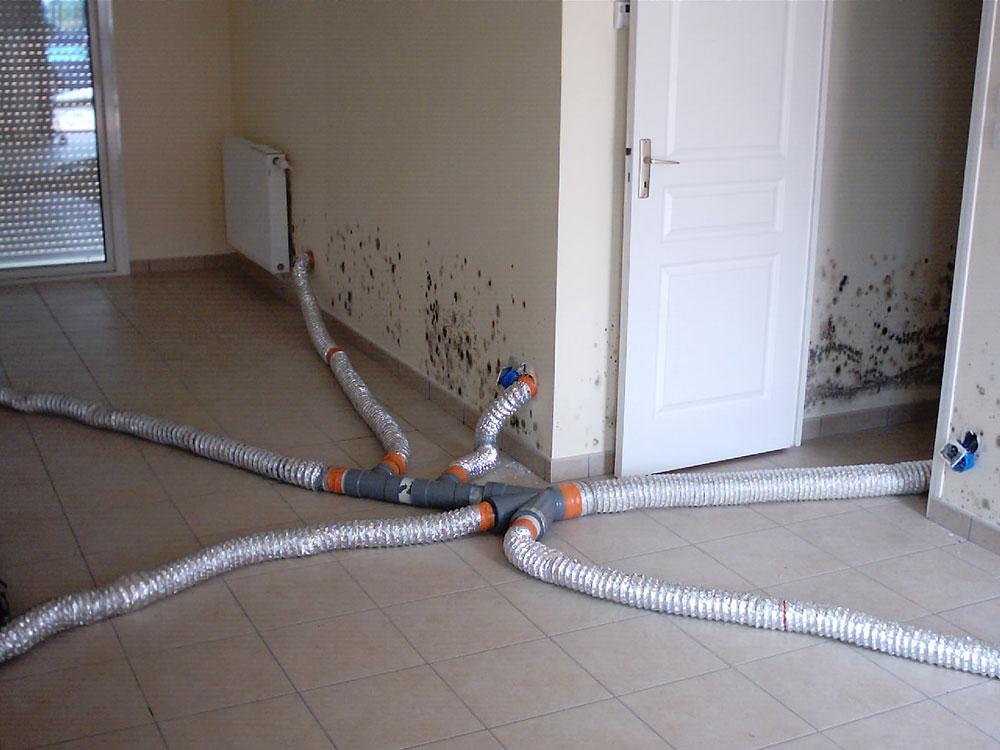 traitement de l 39 humidit suite un d g t des eaux isosec. Black Bedroom Furniture Sets. Home Design Ideas